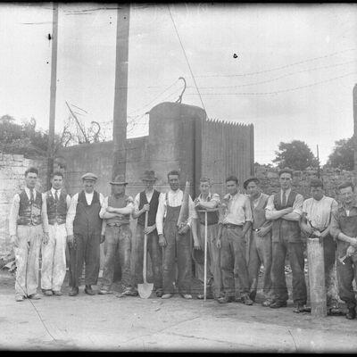 Workmen.jpg